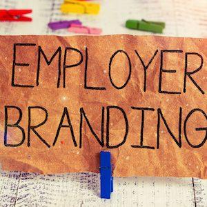 Schild mit der Beschriftung: Employer Branding
