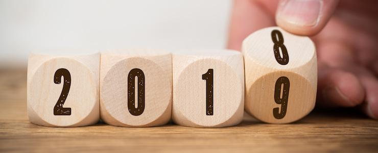 Würfel beschriftet mit der Jahreszahl 2019